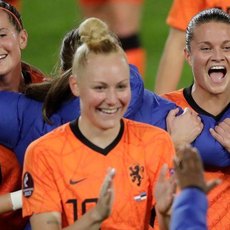 Hollanda ve Almanya finalde