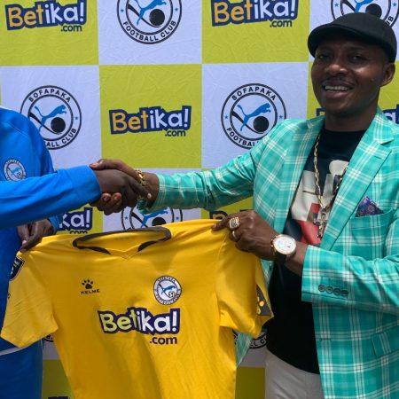 David Ouma, Sofapaka'ya Sportif Direktör ve antrenör yardımcısı olarak yeniden katıldı